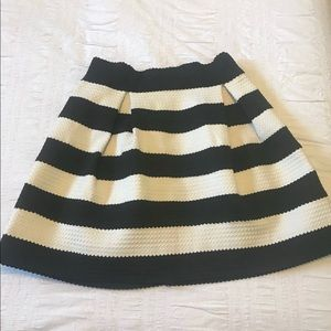 HYPR (boutique brand) skirt size small